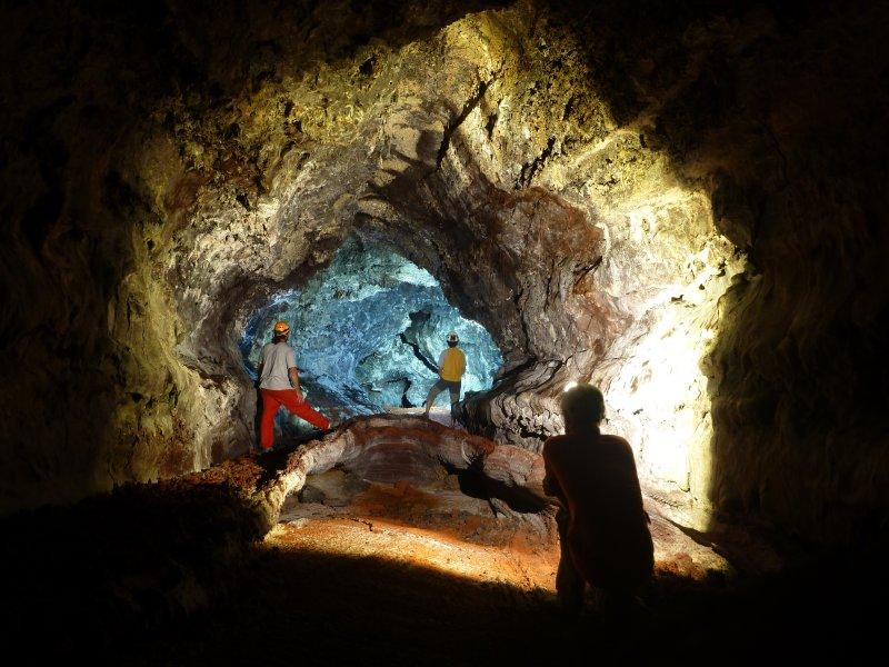 rando tunnels de lave reunion decouverte speleologie facile accessible aux enfants